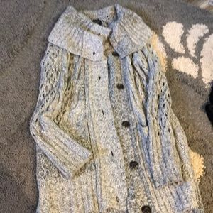 American eagle marked knit sweater. Spring sweater